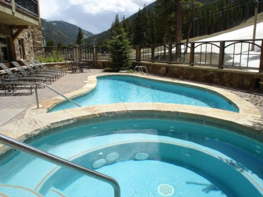 Lone Eagle pool and hot tubs above River Run Village