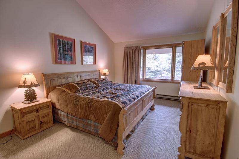 Lenawee 1733 Master Bedroom at Keystone