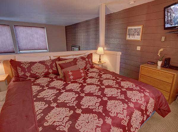 Loft Bedroom in Lakeside Village