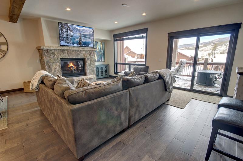 Vacation Rental Living Room at Alders