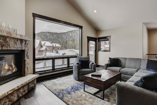 Alders 24 with picture window and mountain views