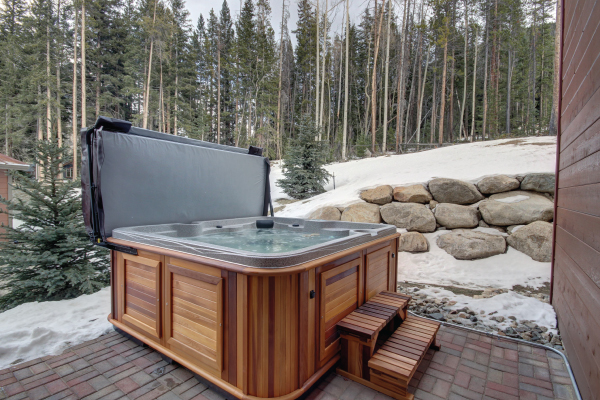 private hot tub at alders vacation home in keystone