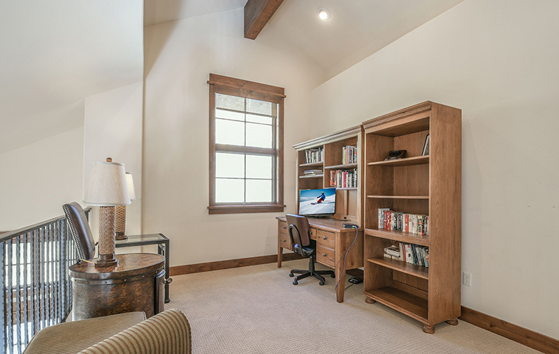 Work from home desk space keystone co